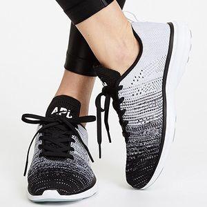 APL TechLoom Pro Sneakers, size 9